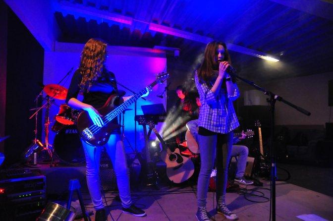 "Band-Konzerte im ""Backstage"""