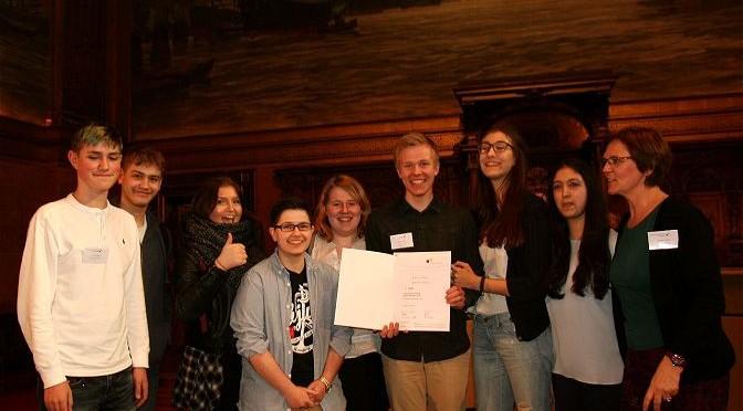 Jugend debattiert: Maxime fährt zum Finale nach Berlin!