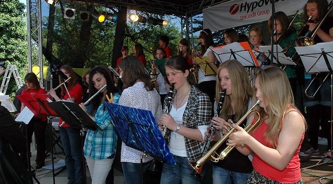Musikklassen und Big-Band auf der Bergedorfer Hafenmeile