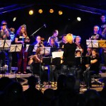 Die Big-Band spielt Car-Wash