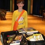 Benjamin aus der 5b reiste an diesem Tag mit einem 13,5 kg schweren Koffer an.