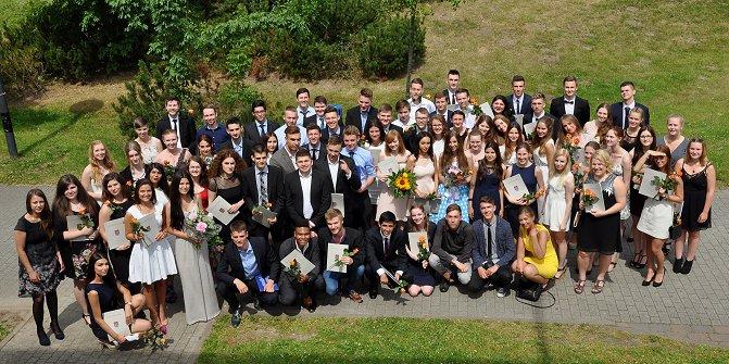 76 AbiturientInnen feierlich entlassen