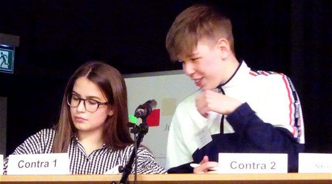 """""""Jugend debattiert"""": 1. Platz für Farina Dobs"""