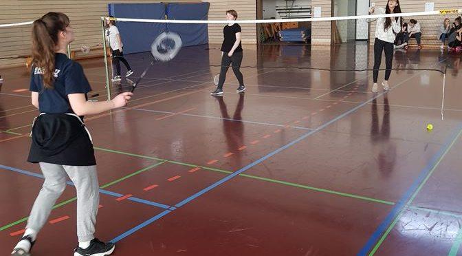 Spannendes Badminton-turnier der 9. Klassen