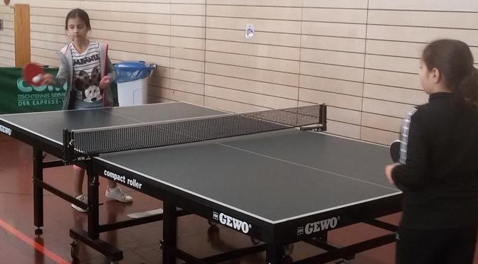 5a triumphiert beim Tischtennisturnier
